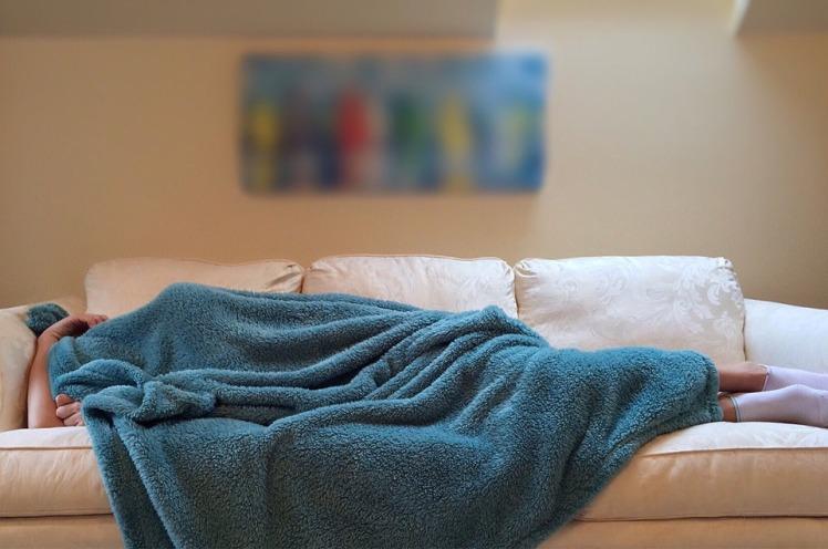 dormir sur le canapé