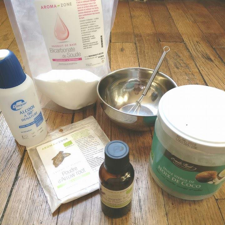 Ingrédients et matériel pour réaliser un déodorant solide qui déchiiiire (moins la balance!)