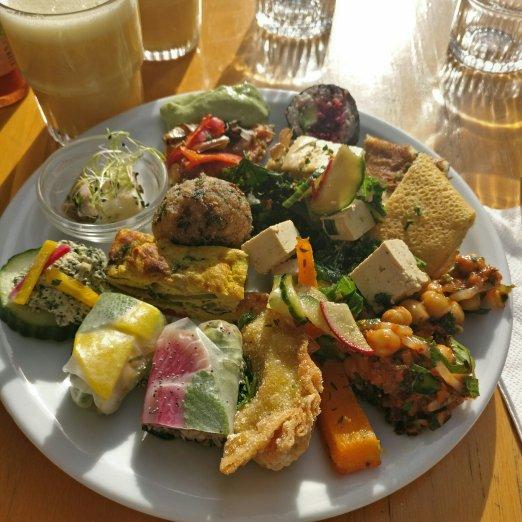 Ma première assiette, qui vous donnera un bel aperçu du buffet salé !